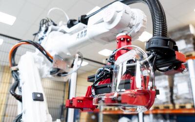 Corona-Pandemie: Roboter unterstützt bei der Produktion von Atemschutzmasken