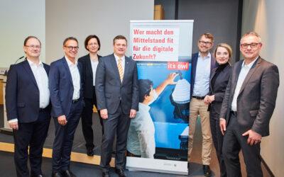 Spitzencluster it´s OWL startet neue Industrie-4.0-Leitprojekte
