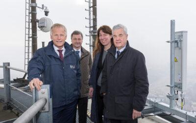 Forschungsplattform für 5G im industriellen Umfeld startet im Hamburger Hafen