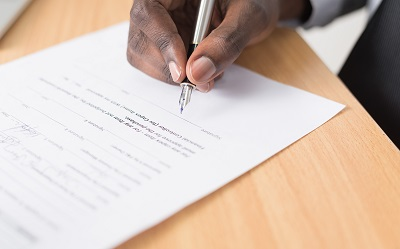 Vereinbarung: Großforschung und universitäre Forschung wachsen am KIT enger zusammen
